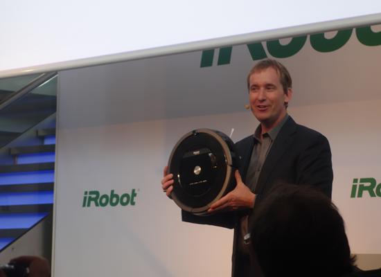 Colin Angle with iRobot Roomba 800