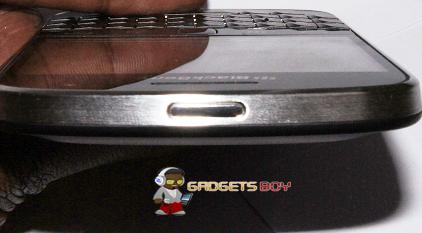 Blackberry Bold 9900 Lock screen button
