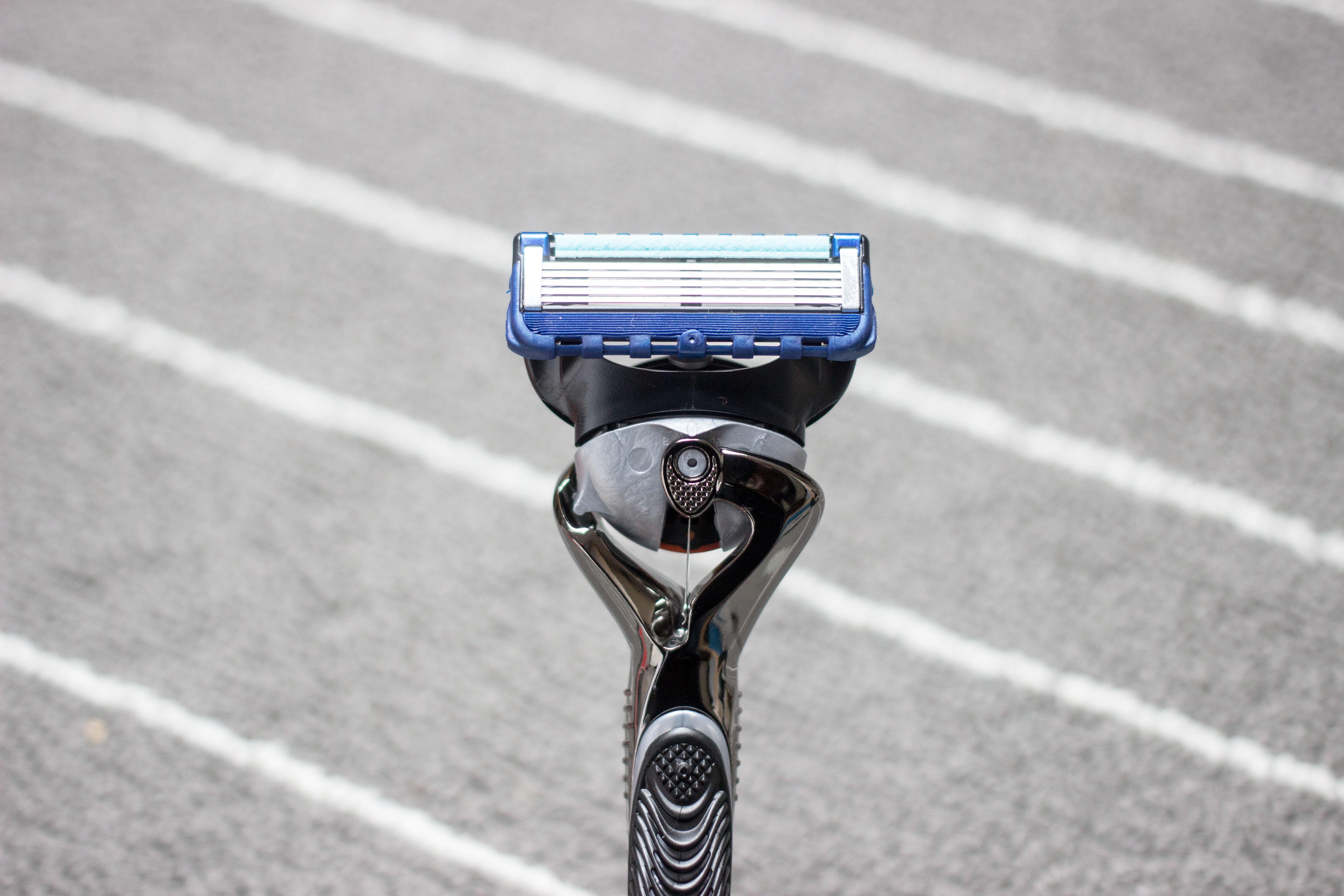 Gillette fusion proglide manual razor with flexball technology - Gillette Fusion Proglide With New Flexball Technology