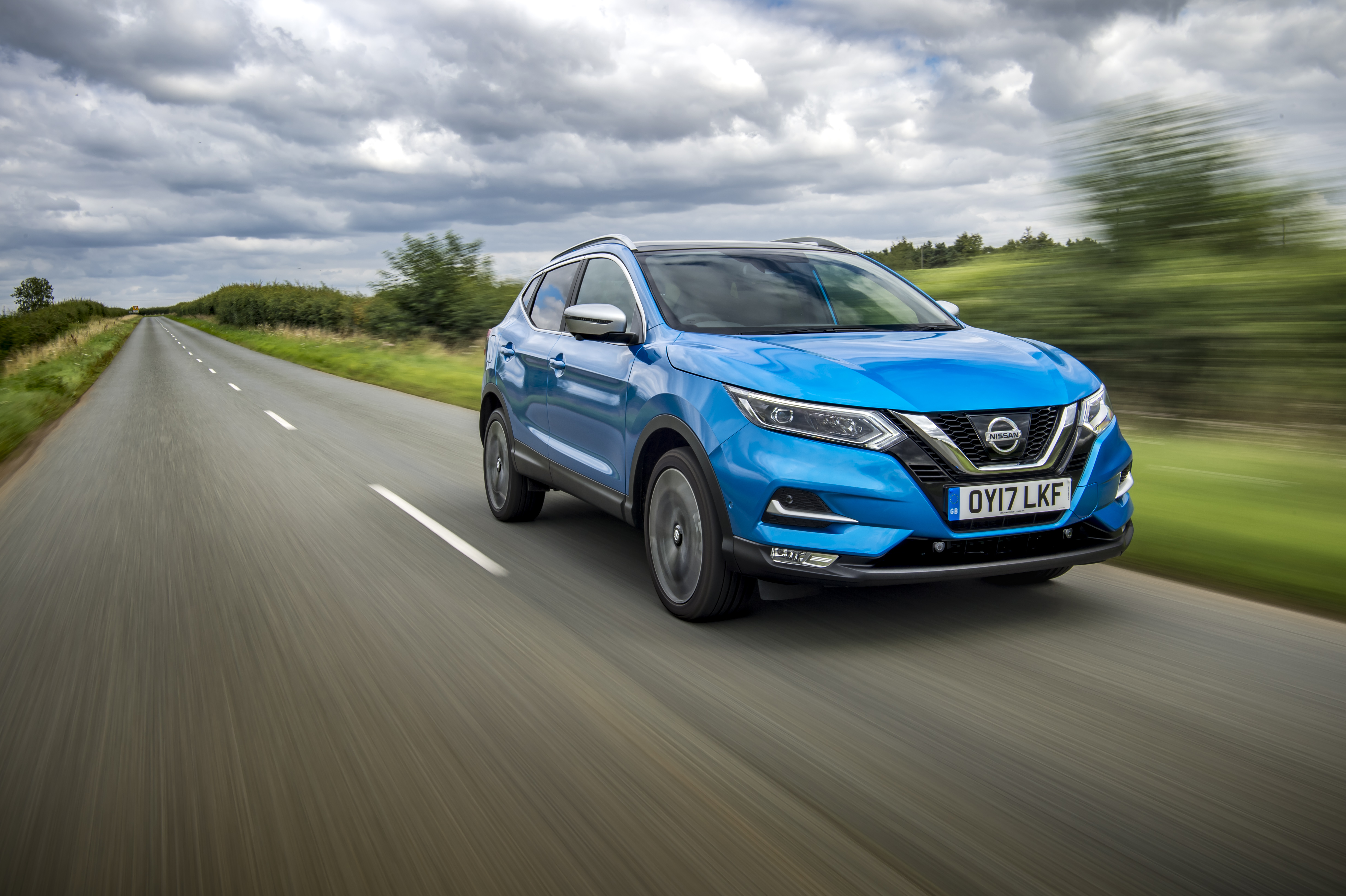 the new nissan qashqai sets a new benchmark in luxury. Black Bedroom Furniture Sets. Home Design Ideas