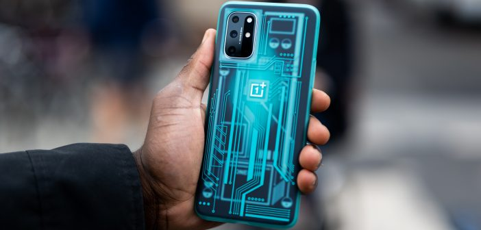 OnePlus Launches OnePlus 8T With Warp Charge 65